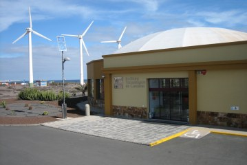 Greening the Canary Islands (and beyond): the role of the institute of technology