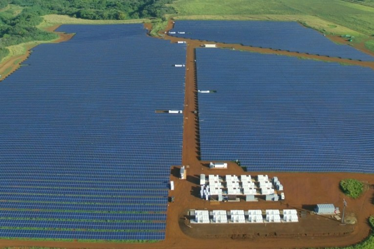 Hawaii turns on Tesla battery system to integrate solar into peak evening demand for power